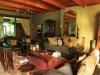 Dundee - Lennox farm - lounge (2)