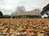 Villa Umvoti autumn front facade (10)