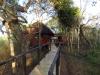 Hluhluwe - Munywaneni Bush Lodge - chalet walkways (8)