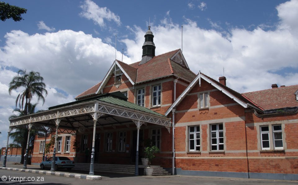 pmb-railway-station-main-building-front-entrance-s29-36-622-e30-22-082-elev-677m-74