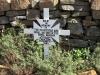 majuba-peak-s-27-28-633-e-29-50-924-elev-2114m-graves-monuments-naval-brigade-cross-20-officers-naval-ratings