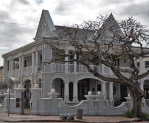 Hollis House - 178 Florida Road